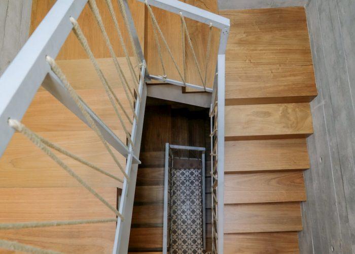 Eça Agora Guest House in Vila do Conde, Portugal | Common Zones - stairs