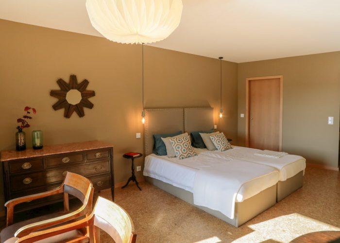 guest-house-eca-agora-vila-do-conde-port-home-room-capital